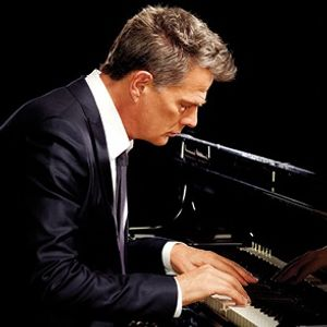 An Intimate Evening With David Foster - Hitman Tour (NEW DATE)